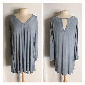CLOSET CLOSING Bell sleeve dress + pockets